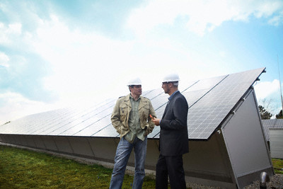 Men discussing solar
